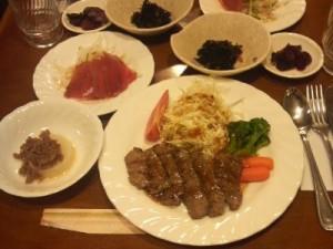 夕食の一例です、日替わりメニューです。